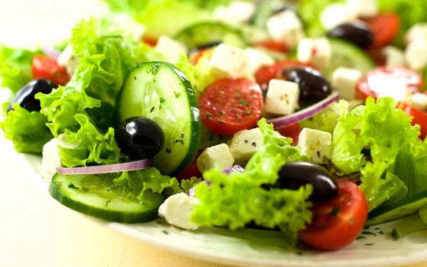 cach-an-salad-sai-lam
