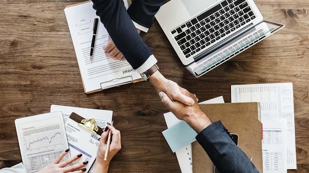 Nhượng quyền mô hình kinh doanh toàn diện (Full business format franchise)