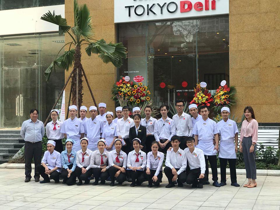 P5 - People trong Marketing cho nhà hàng Tokyo Deli