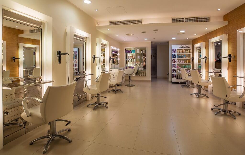 Physical Evidence là gì? Bố trí salon tóc ảnh hưởng tới trải nghiệm thực tế của khách hàng