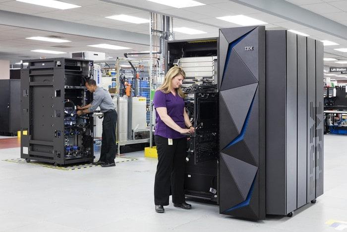 Chiến lược Marketing của IBM- Bán sản phẩm đặt chữ chất lên đầu