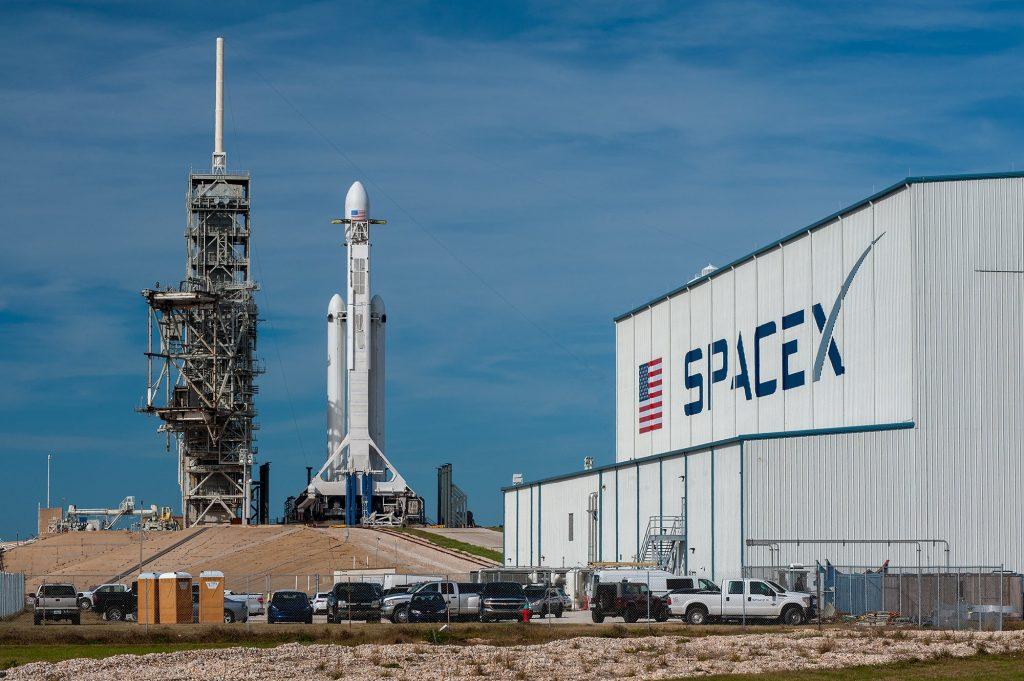 Khởi nghiệp là gì - SpaceX
