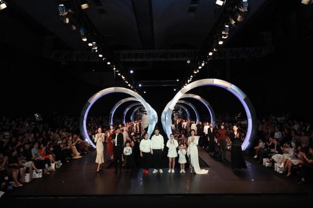 Tổ chức nhiều show diễn thời trang