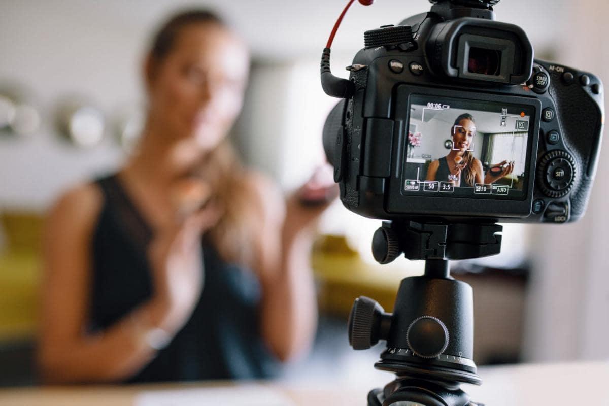 [Image: young-female-vlogger-recording-a-make-up...og-min.jpg]