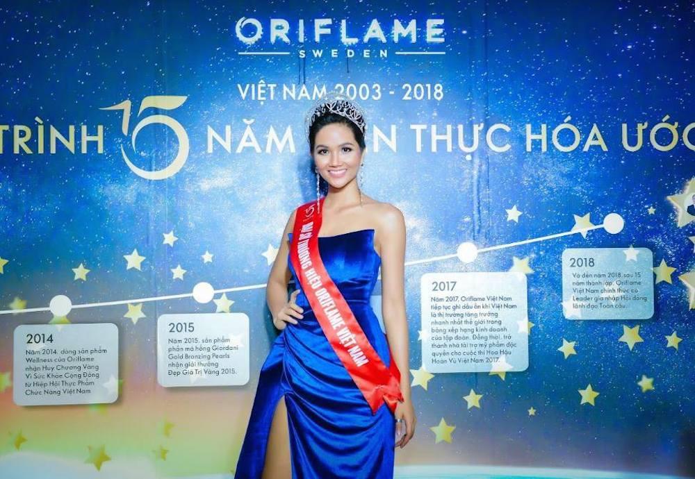 H'Hen Niê - Đại sứ thương hiệu Oriflame tại sự kiện kỷ niệm 15 năm