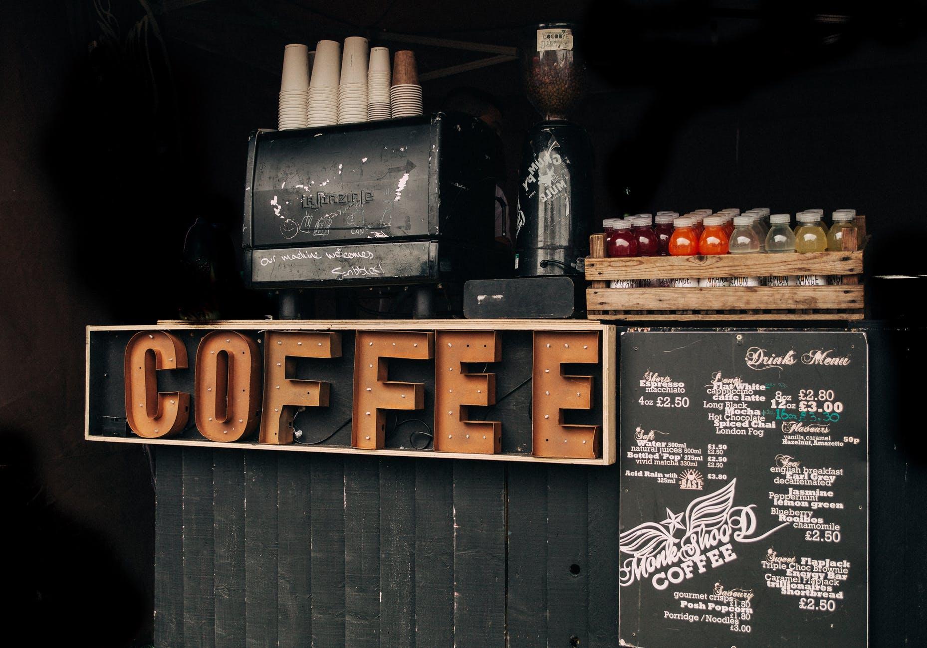 Cần chuẩn bị gì trước khi mở một quán cafe - xây dựng menu quán