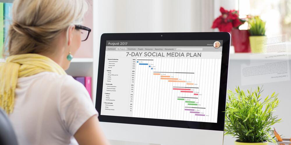 Lập kế hoạch nội dung và tạo lịch trình truyền thông xã hội