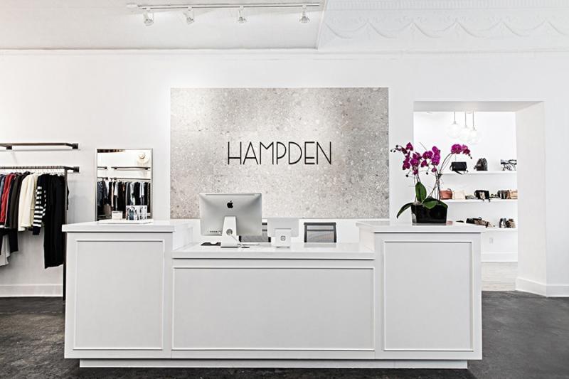 Trang trí shop quần áo thu hút khách hàng